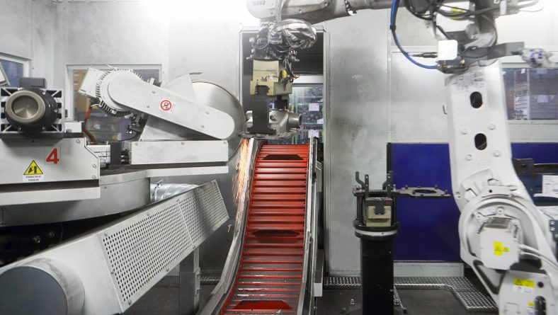 Automation in deburring: Fonderie di Montorso installs two new robotic cells