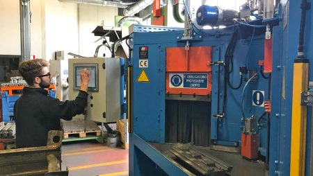 New automatic sandblasting machine for the cleanest castings